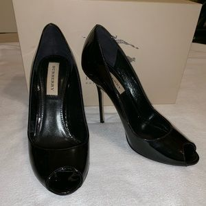 Burberry Black Patent Leather Kensal Peeptoe pumps